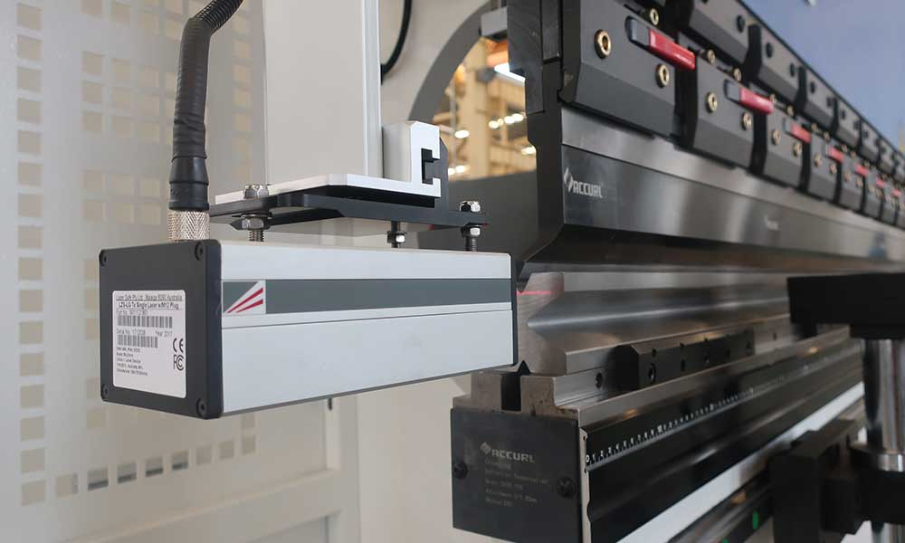 Accurl-press-brake-easybend-DSP-LASER-SAFETY-SYSTEM-WITH-OPTIONAL